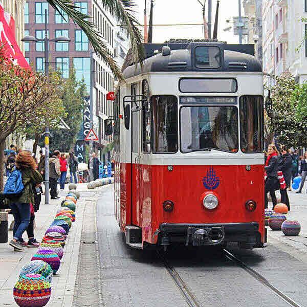 Стамбул. Движение трамвая